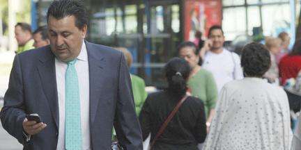 Las mujeres que trabajan en las empresas del IBEX 35 ganan en promedio un 15% menos que sus compañeros. /Fernando Moreno