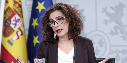 María Jesús Montero tratará de demostrar que el PSOE no ha cedido la carga ideológica del Gobierno progresista y de coalición a UP. / EP