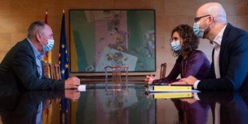 Iglesias consiguió que su secretario de Estado, Nacho Álvarez (derecha), esté junto a María Jesús Montero en la negociación presupuestaria. / EP
