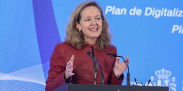 Nadia Calviño ha asegurado que si no hay acuerdo patronal-sindicatos la reforma laboral se quedará como está. / EP