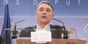 Con Enrique Santiago, es la primera vez que el secretario general del PCE asume un alto cargo del Gobierno. / EP